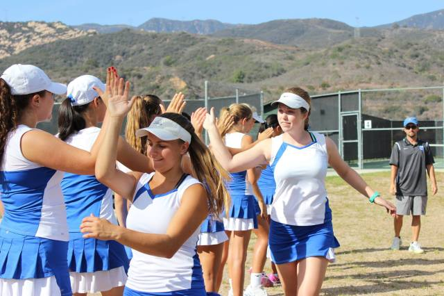 Cate Girls' Tennis have Team Spirit